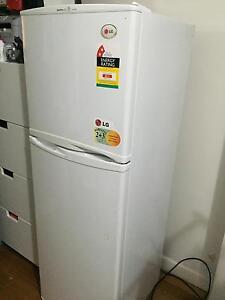 LG fridge freezer Good Condition 253L Richmond Yarra Area Preview
