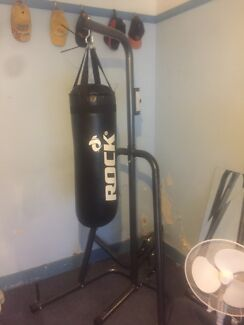 Boxing stand with speedball