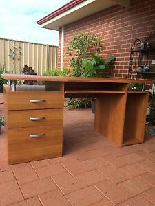 Computer desk Australind Harvey Area Preview