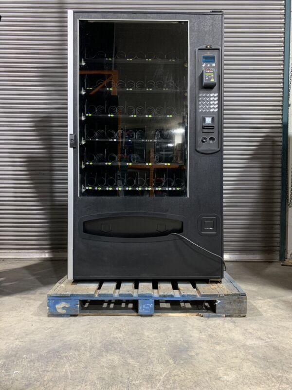 USI 3160 Snack Vending Machine + CARD READER & Guaranteed Vend - FREESHIPPING