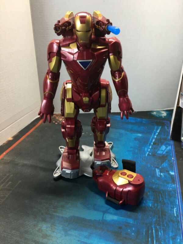 """RC Walking Iron Man Remote Control Action Figure 13"""" Tall 2010 Marvel"""