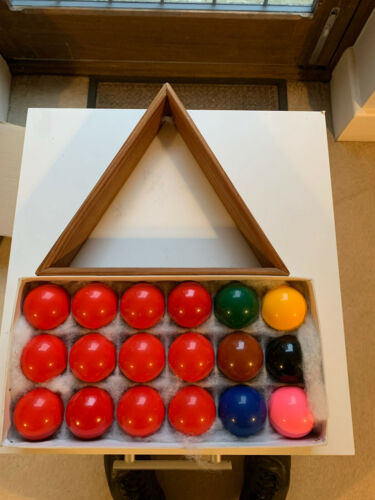 Set Of Snooker Balls 1 3/4 In Diameter And Triangle