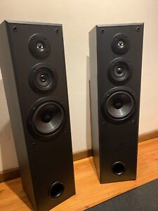 Sony Tower speakers amazing sound very good condition