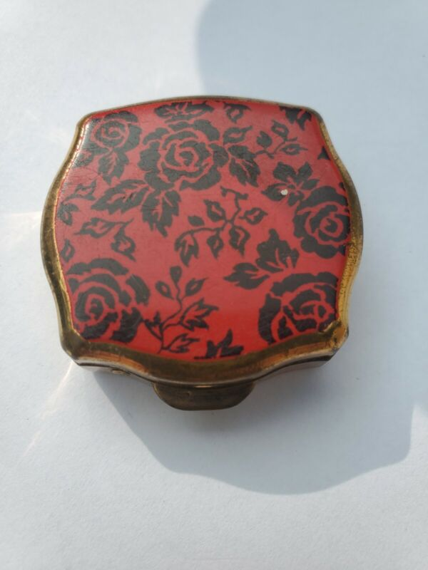 Vintage Stratton Of England Black Rose Red Background Push Button Snuff Pill Box