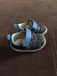 Baby shoes size 2 (St. Thomas)