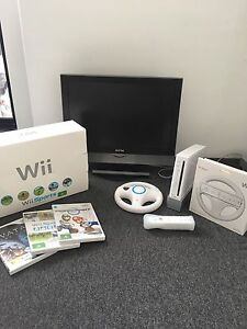 Wii Console Package with Extras - Great Value! Burleigh Heads Gold Coast South Preview