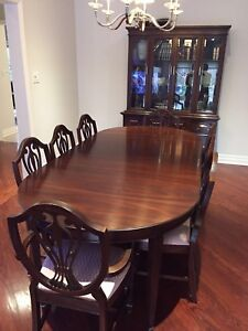 Beautiful Mahogany Gibbard Dining Set Table 8 Chairs And Hutch