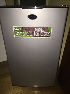 Mistral upright freezer 90L