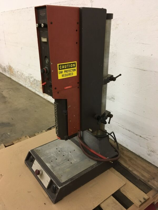 Branson 400 Series Includes Model 402 Converter, Ultrasonic Welder