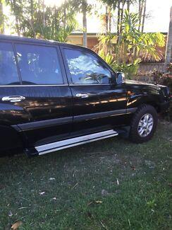 100 series custom dual cab land cruiser Blacks Beach Mackay City Preview