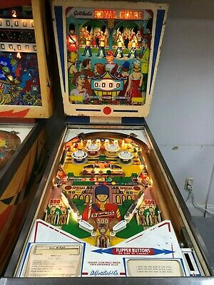 GOTTLIEB CLASSIC WEDGEHEAD ROYAL GUARD  PINBALL MACHINE 1968
