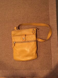 Root small venetian leather bag