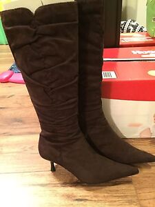 Size 7 brown suede knee high boots