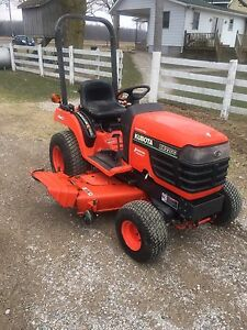 BX2200 lawn tractor