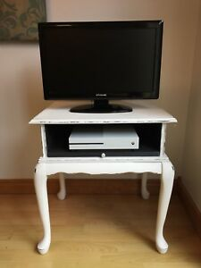 Chalk Painted entry / side table / TV stand