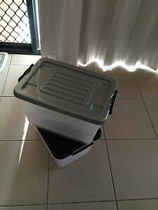 plastic containers Redland Bay Redland Area Preview