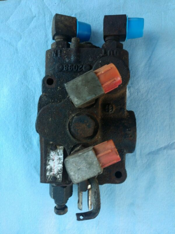 John Deere Danfoss Hydraulic Lift Pressure Relief Valve AM117342 / 1617-BT