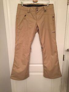 Women's Oakley ski pants size L