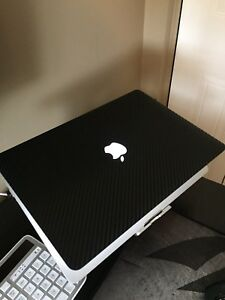 Apple MacBook Pro 15 Inch Retina Carbon Fiber Edition