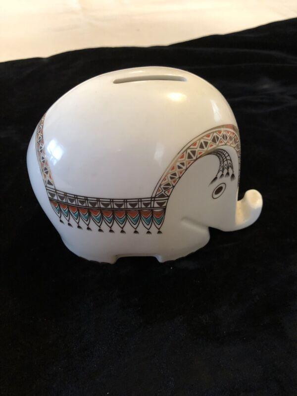 Höchst Decor Exotic Gleaming White Porcelain Elephant Bank w Key