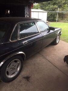 Jaguar XJ6 XJ40 1989 mdl's 2x cars Warneet Casey Area Preview