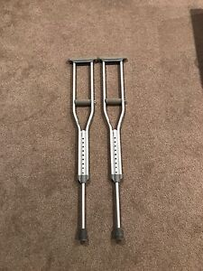 Almost new crutches used once