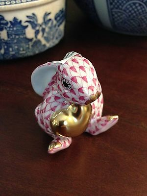 Herend Bunny Rabbit with Gold Heart 24 kt. Accents Raspberry Fishnet
