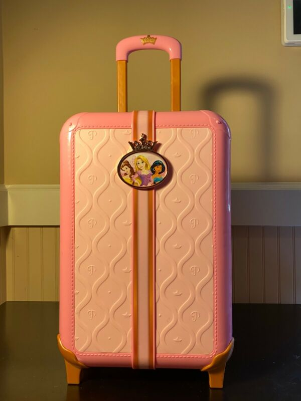 Disney Princess Style Collection Travel Suitcase Playset 17 Pieces