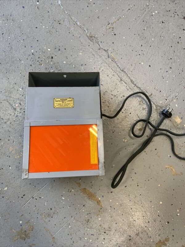Mountable Vintage Kodak Safelight Lamp No.2 Tested and Working