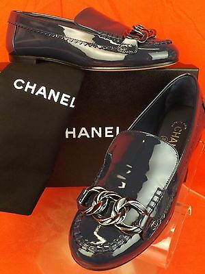 17C NIB CHANEL NAVY PATENT LEATHER TWO TONE CHAIN CC LOGO MOCASSIN LOAFERS 37