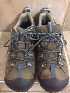 Men's Keen Shoes, Size 9.5 - worn once