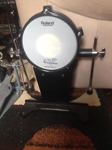 Roland kd85 kick drum and ludwig chain drive pedal