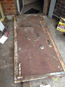 Scrap metal- old safe door Darwin Region Preview