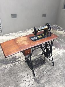 Vintage Singer Sewing machine Burwood Whitehorse Area Preview