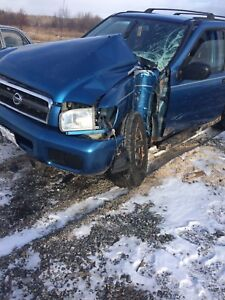 2003 Nissan Pathfinder 5 speed FULL PART OUT
