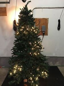 7.5 ft pre lit Christmas Tree with stand and original box