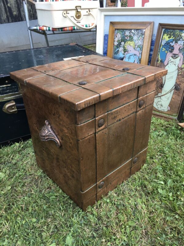 Vintage Arts and crafts Movement copper coal Box scuttle Fireside