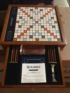 DELUXE WOODEN SCRABBLE GAME