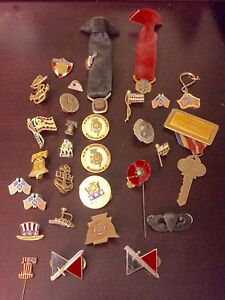 Medals & pins war