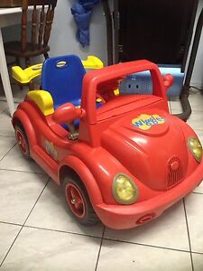 Ride on wiggles car with remote control$35 Sadleir Liverpool Area Preview
