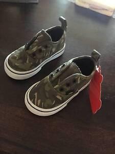 Vans authentic camo shoes Campbelltown Campbelltown Area Preview