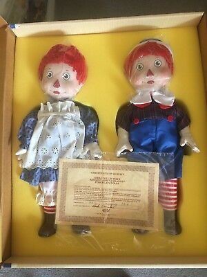 (Raggedy Ann and Andy porcelain doll set Ideal Brand New)