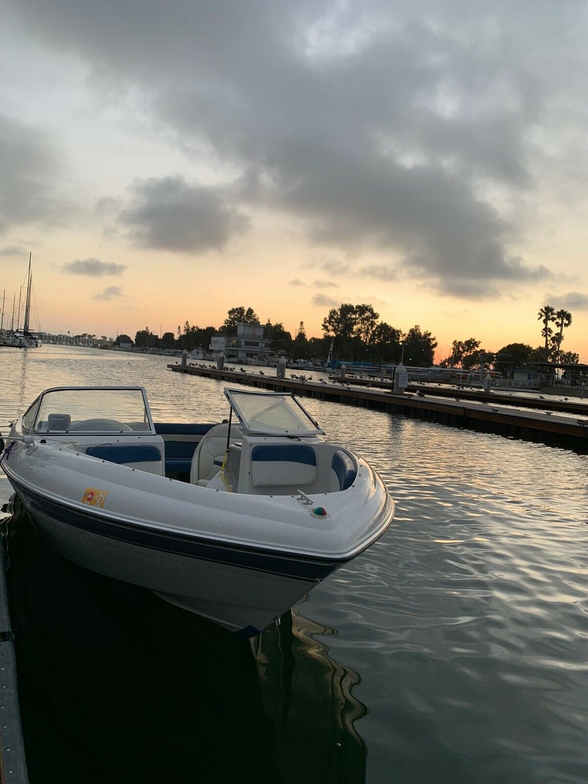 2000 four Winns 180 horizon with  matching trailer  And boat cover