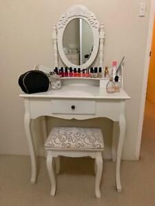 White, vintage mirrored vanity/make up table