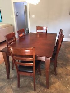 Dining table set - 6 chairs and leaf