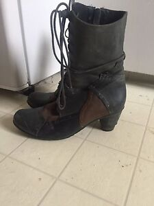 SIZE 9-10 Shoes and Boots - MUST GO