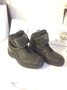 Apline star motorcycle boots