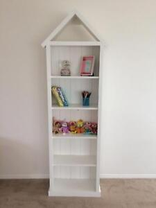 Children S Bookshelf Nursery