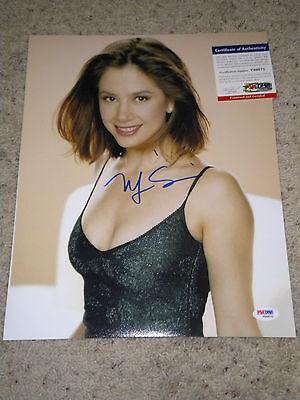 Mira Sorvino  Signed 11X14 Photo Psa Dna