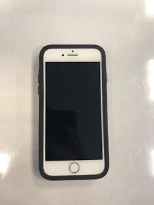 iPhone 8 64 GB - White [Excellent condition] comes with Otterbox